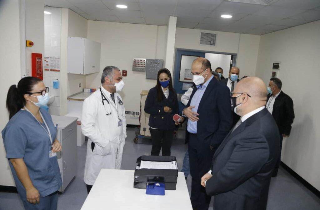 وزير الصحة في افتتاح قسم كورونا في مستشفى الحريري: ذاهبون الى بر الامان