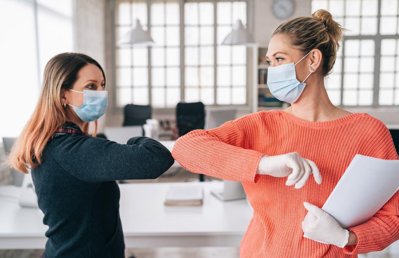 وباء كورونا قد يعيد النساء 25 عاما إلى الوراء