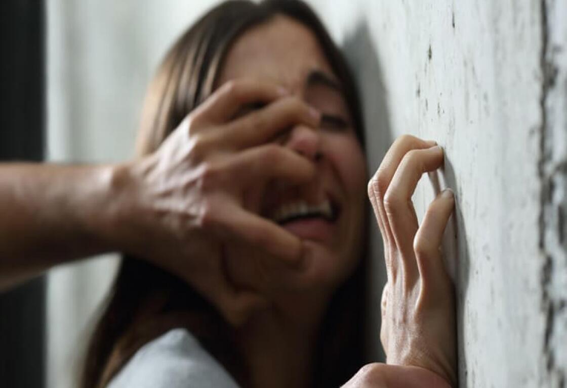 العنف ضد المرأة اللبنانية  الى ارتفاع بشكل مذهل ..فتشوا عن كورونا !