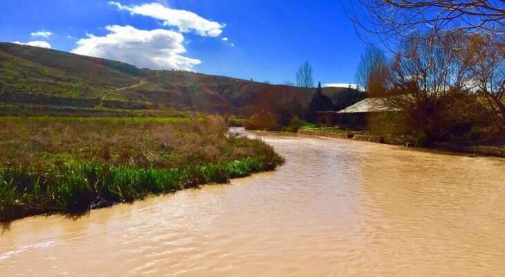 ارتفاع ملحوظ في منسوب نهر العاصي بسبب غزارة الامطار