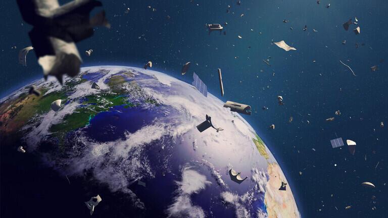 """النفايات الفضائية تشكل ما يعادل """"جزيرة بلاستيكية عائمة"""" في مدار أرضي منخفض"""