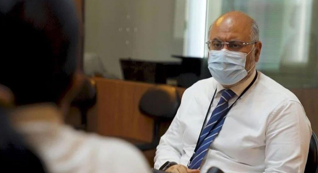 مدير مستشفى الحريري: علينا التمهل في موضوع فتح البلد