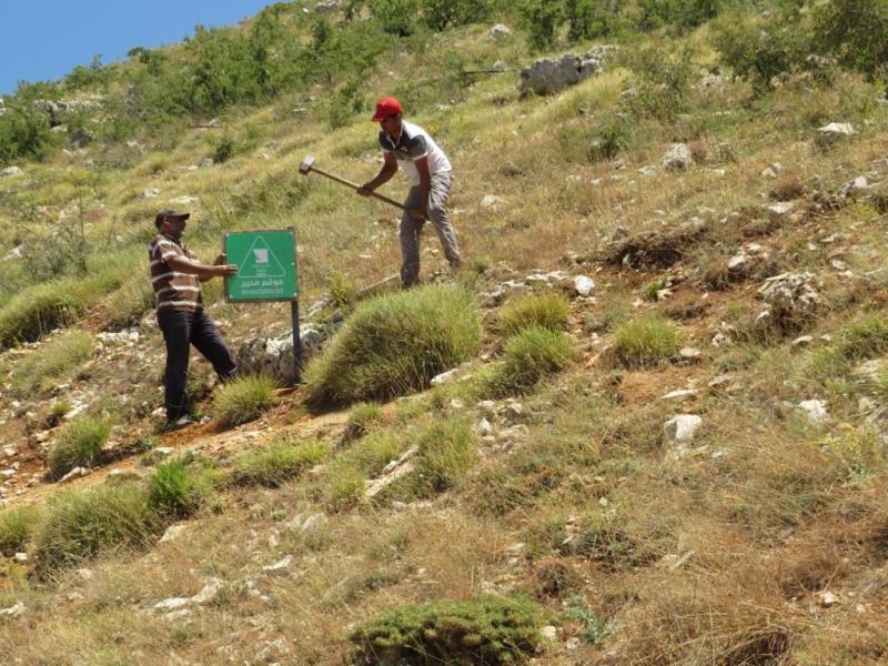 إدارة محمية إهدن أنجزت تصميم وتوزيع وتركيب اللافتات في المحمية