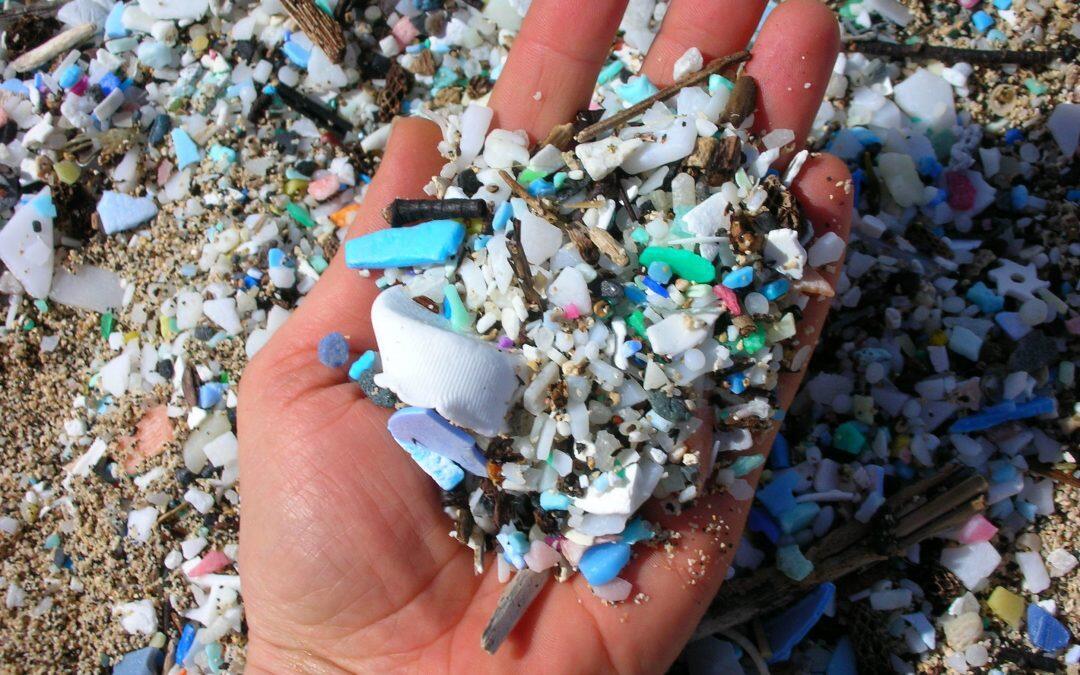 البلاستيك والميكروبلاستيك ملوث يغزو العالم