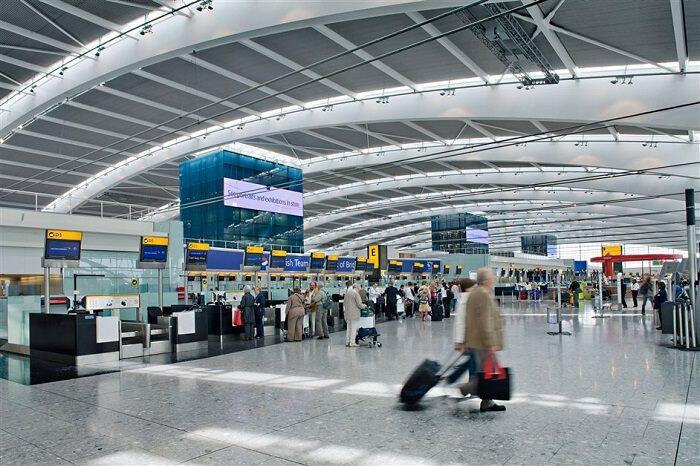 المطارات مرتعاً للفيروسات… والمسافر أكثر نقلا للأمراض من البعوض