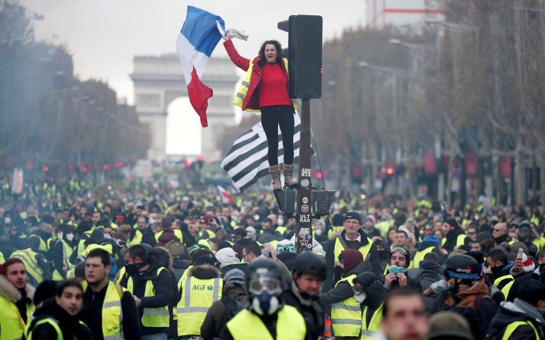 تأييداً لاحتجاجات فرنسا…لا لوضع العدالة المناخية في وجه العدالة الإجتماعية