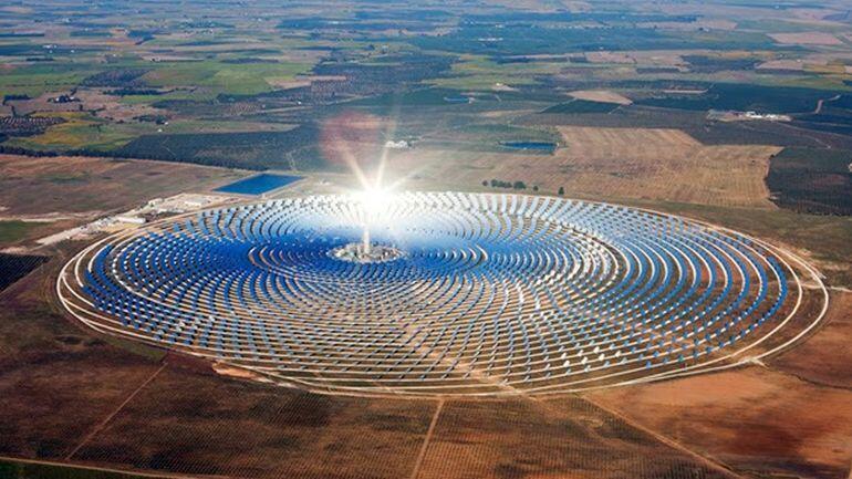 الطاقة المتجددة الأكثر تنافسية في دول الخليج… تراجع جدوى الإستثمار في النفط الزيتي