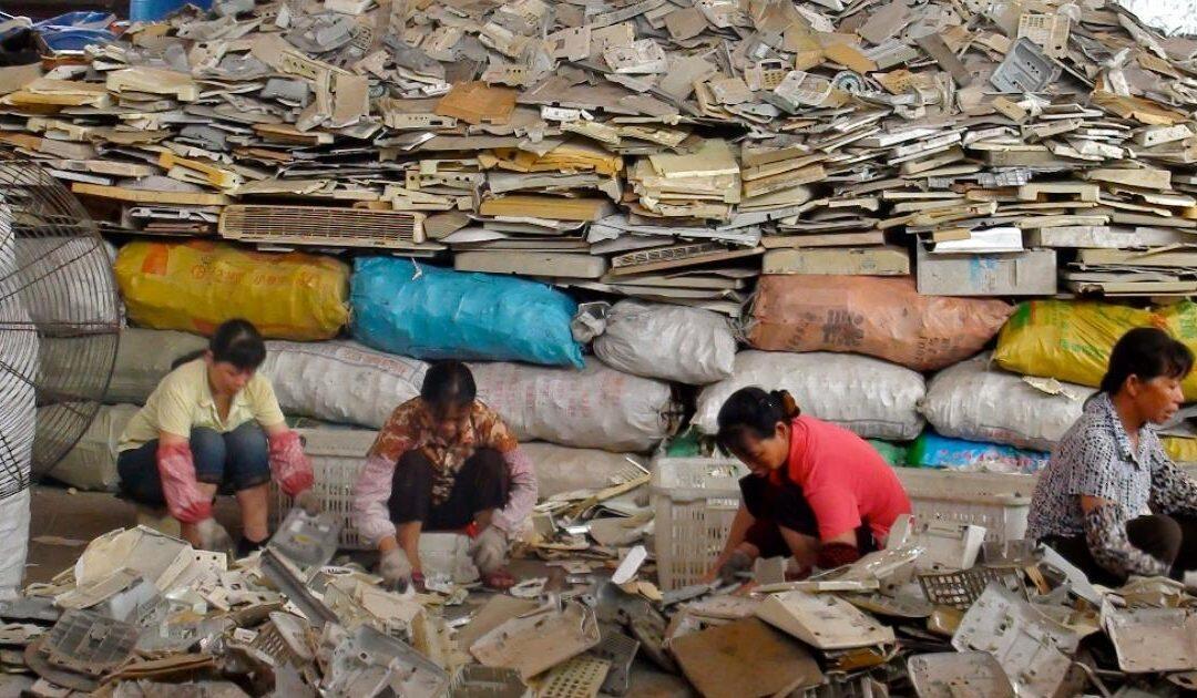 الصين تُغرِق أميركا وأوروبا في نفاياتها البلاستيكية…لبنان الضحية