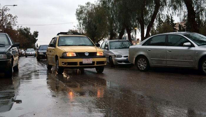 جاكرتا تحد من استخدام السيارات الخاصة