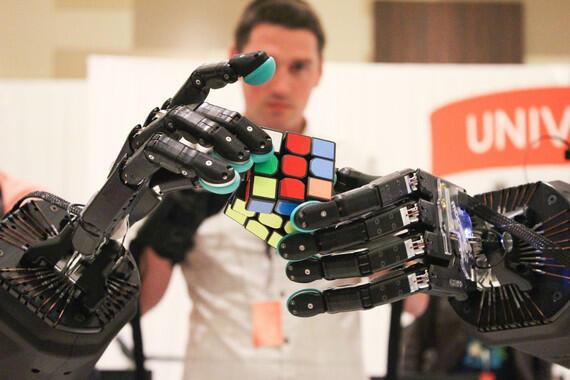 El robot con manos más humanas