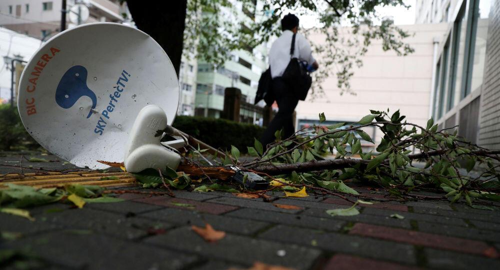 قتيل في اليابان مع اقتراب إعصار قوي وتوصيات بإجلاء مليون