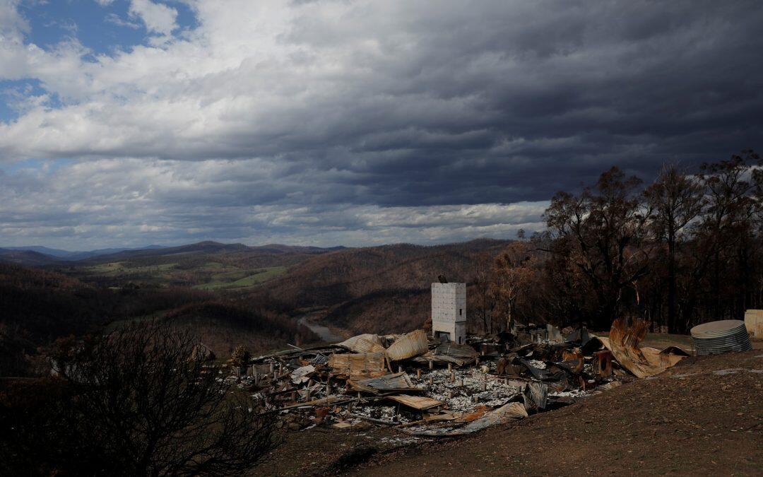هدنة من حرائق الغابات في أستراليا لكن إعصارا في الطريق