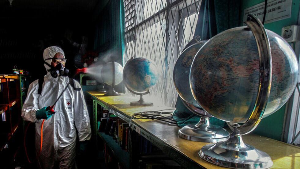 """الصين تكشف """"الجينوم"""" المادة الوراثية لفيروس التفشي الجديد في بكين"""