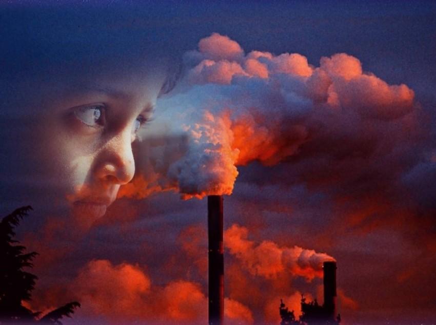 التعرض لتلوث الهواء في مرحلة الطفولة يرتبط بسوء الصحة العقلية في سن 18