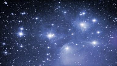 أقوى هوائي راديو في العالم يكتشف إشارات غامضة من 19 نجما بعيدا!