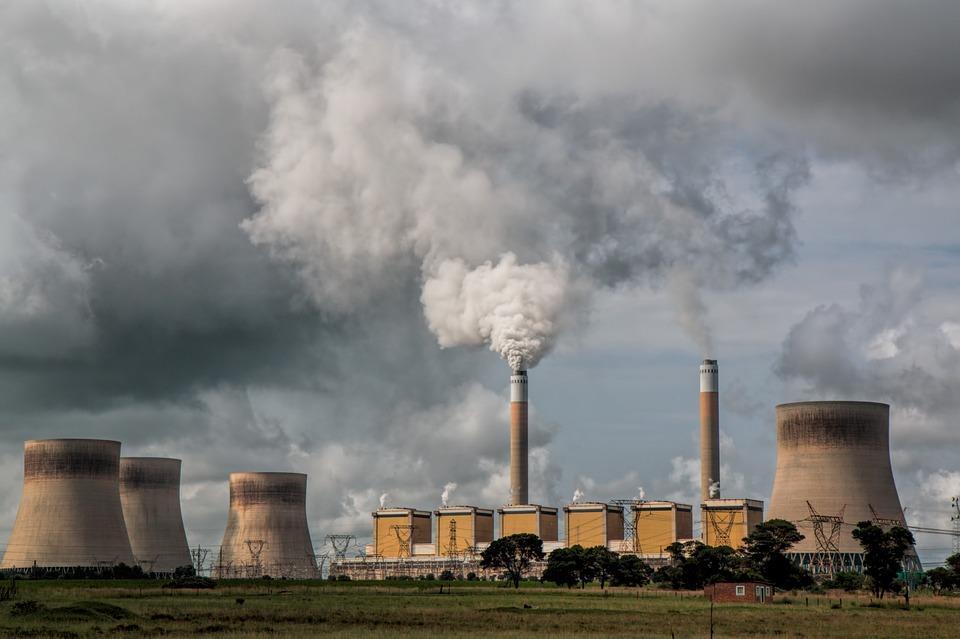 تعارض كبير بين خطط إنتاج الطاقة الأحفورية وأهداف اتفاق باريس