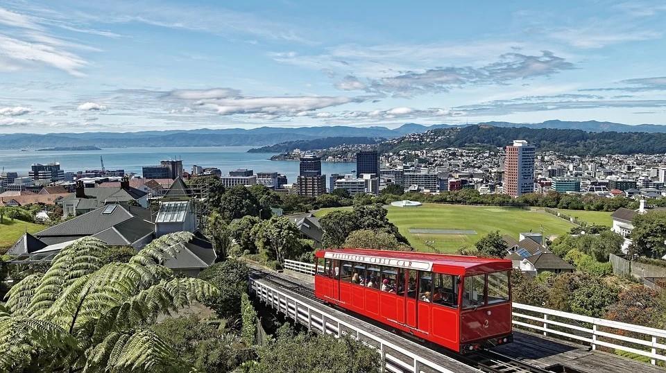 نيوزيلندا تُصدر أول قانون لـ«الإفصاح المناخي»