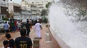 الإعصار شاهين يتراجع ويتحول لعاصفة مدارية..